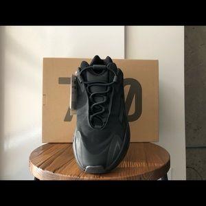 Adidas Yeezy Boost 700 MNVN Triple Black - RARE
